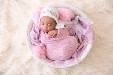 Surrogacy with frozen embryo transfer cost in Ukraine